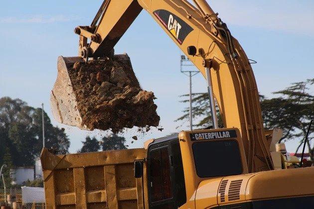 crane working on Hudson Yards