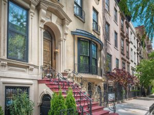 living in a townhouse pros cons nyc